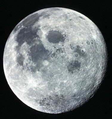 esta noche hay luna azul pero eso  es