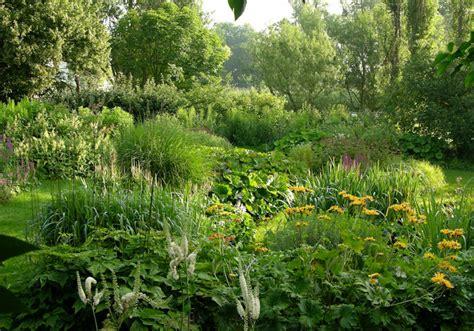 Garten Pflanzen Im Juli by Staudengarten Gross Potrems Gartenrundgang Im Juli