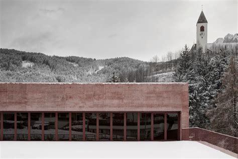 Eisenoxidpigmente Fuer Rot Getoenten Beton by Feuerwehrhaus In Vierschach Beton Sonderbauten