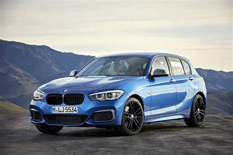 bmw  series bows  updated interior  tech