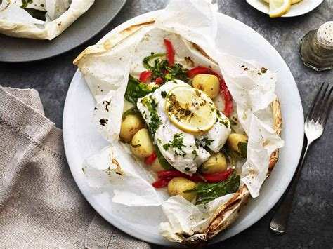 cuisine en papillote cod en papillote with baked potatoes saga