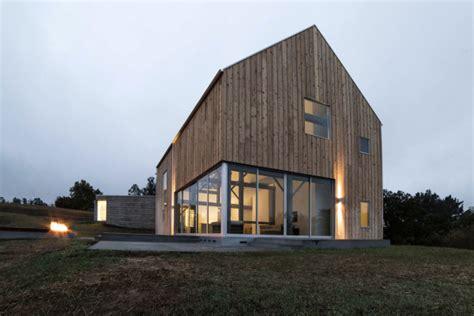 10 Modern Houses Inspired By Barns  Design Milk