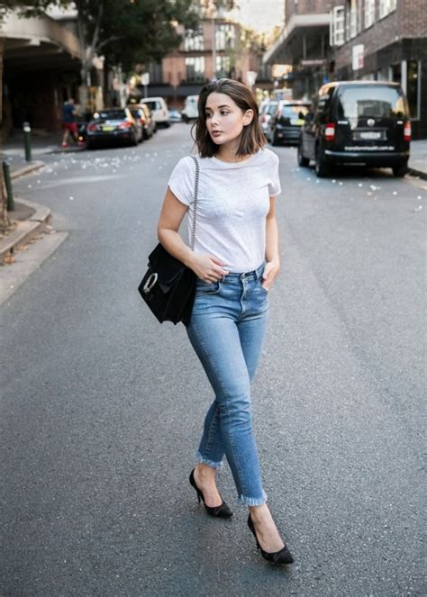 Best 25+ T shirt and jeans ideas on Pinterest
