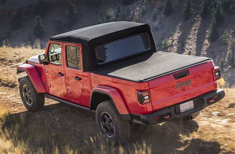 jeep gladiator  daily drive consumer guide
