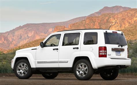 jeep liberty 2011 jeep liberty reviews and rating motor trend