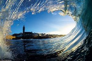 Stunning images show the awesome awesome beauty of waves ...  Wave