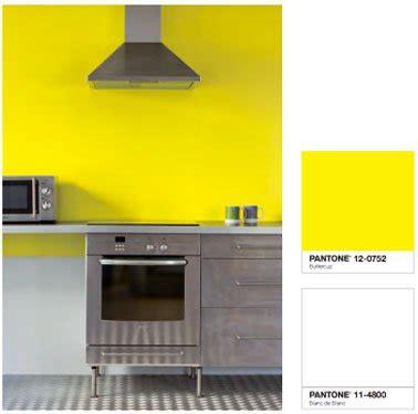 cuisine gris jaune couleur peinture cuisine jaune vif et blanc tollens castorama