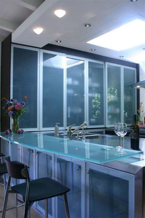 modernos  sofisticados mesones de cocina en vidrio