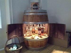 Whisky Bar Für Zuhause : weinfass bar mit fl gelt ren fass schmiede pinterest weinfass bar fl gelt ren und weinfass ~ Bigdaddyawards.com Haus und Dekorationen