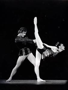 Mikhail Baryshnikov Ballet Dancer Pictures to Pin on ...