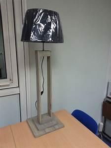 Lampe En Palette : lampe en bois de palette r cup 39 art d co ~ Voncanada.com Idées de Décoration