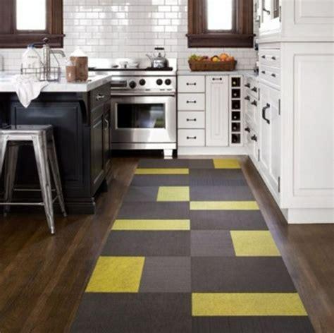 tapis de cuisine gris tapis moderne pour la cuisine une excellente idée