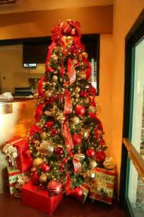 tree decorations ideas and gold drum shaped tree stand make