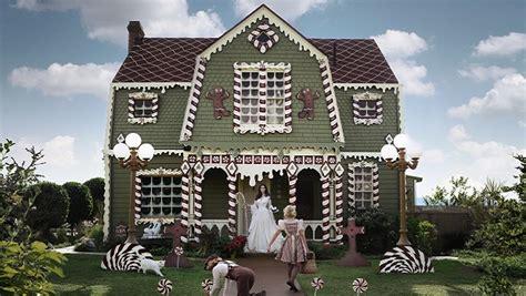 cette artiste transforme la maison de ses parents en sc 232 ne de quot hansel et gretel quot