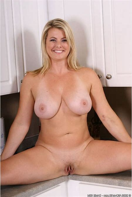 Blond mature over 40 | XXX Porn Library