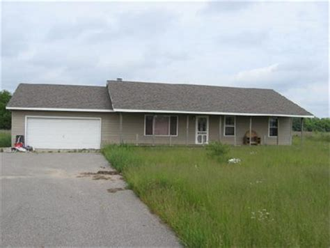 6771 West County Line Rd Greenville, Mi 48838 Foreclosed
