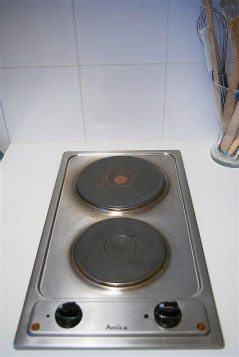 plaques de cuisson electriques comment cacher ses plaques 233 lectriques larcenette