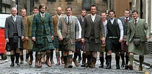 "Men in Kilts: Why The ""Man Skirt"" Is A Bold (Yet Sexy) Choice"