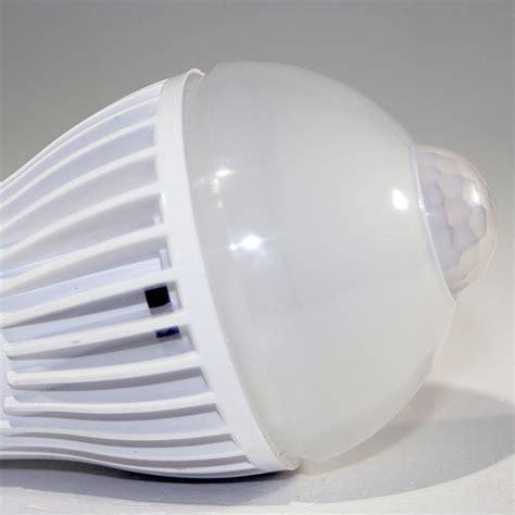 glühbirne mit bewegungsmelder led birne e27 pir5w warmwei 223 bewegungsmelder