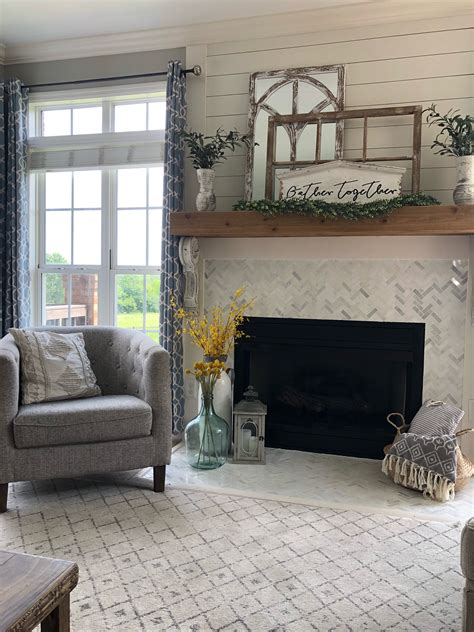 mantle decor   season   create  layered