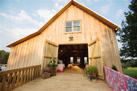 Southern-wedding-barn-reception