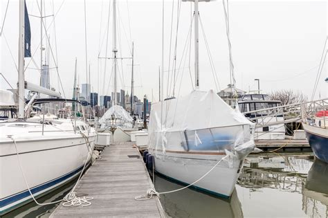 Nyc Boat Tour Cheap by Touring The 200 Square Foot Sailboat One New York