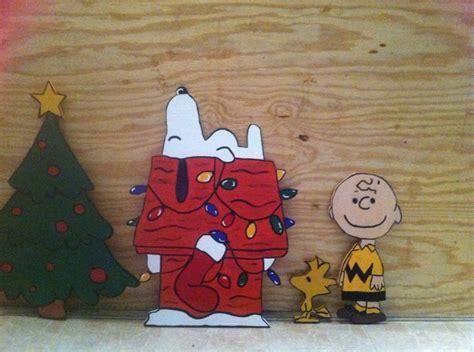 charlie brown gang outdoor de 10 b 228 sta id 233 erna om snoopy p 229 snobben peanuts och peanuts snoopy