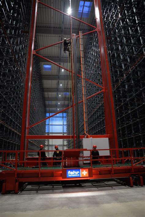 Solarlux Melle Mitarbeiter by In Dem 25 Meter Hohen Hochregallager Am Solarlux Cus