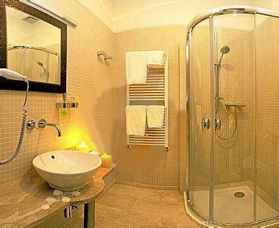 Small Bathroom Charm   How To Build A House
