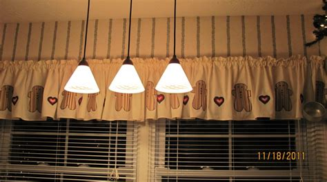 gingerbread curtains    kitchen gingerbread