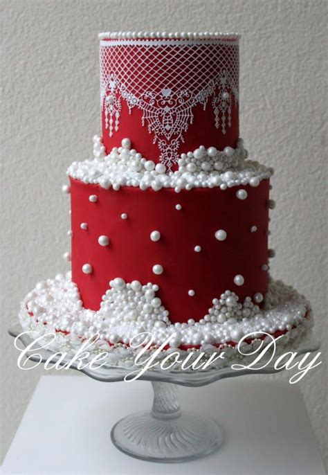 Top 30+ Cakes With Elegant Pearls  Page 30 Of 40