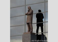 PICTURE Sir Alex Ferguson Statue Old Trafford Faithful