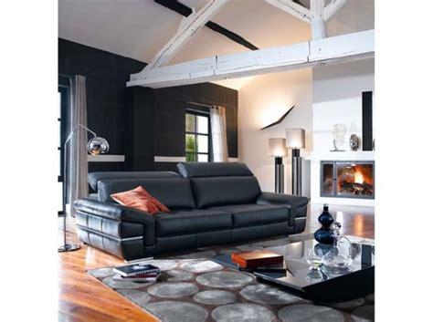 univers décoration salon avec canapé noir salons living