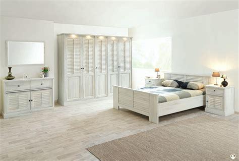 ensemble chambre merida bois blanc vieilli ensemble chambre a coucher