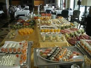 Petit Buffet Salon : une petite partie du buffet petit d j picture of grande real villa italia hotel spa ~ Teatrodelosmanantiales.com Idées de Décoration
