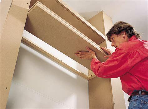 construire un bureau en bois créer une bibliothèque de salon sur mesure