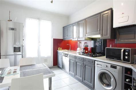 comment peindre meuble cuisine home staging et relooking d 39 une cuisine en chêne rustique