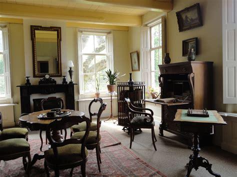 classic  dutch living room