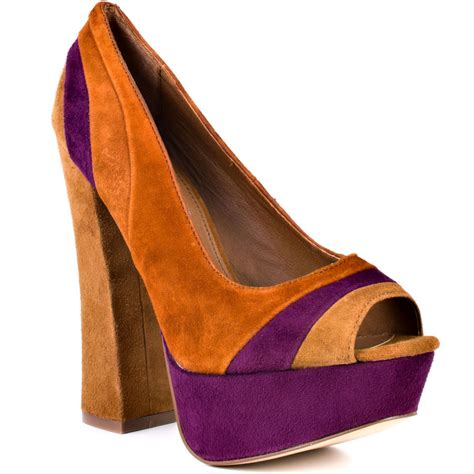 cognac colored heels cognac color shoes neiltortorella