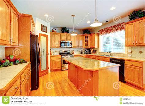 cuisine mar intérieur de pièce de cuisine avec l 39 île dans la maison de