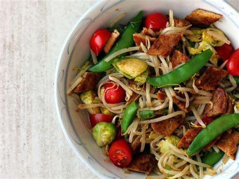 cuisiner des pousses de soja recettes de pousses de soja et sauté