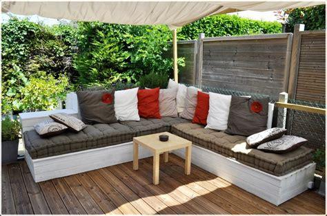 salon de jardin bois fait maison abri de jardin  balancoire idee