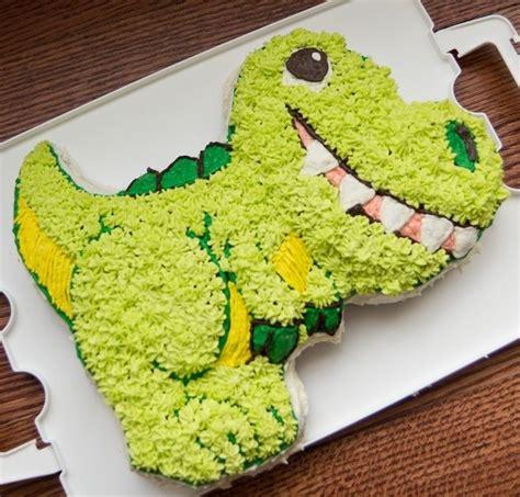 Die Besten 25 Dinosaurier Kuchenform Ideen Auf Pinterest