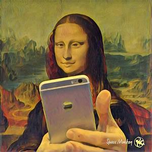 Mona Lisa Selfie - Cape Odd