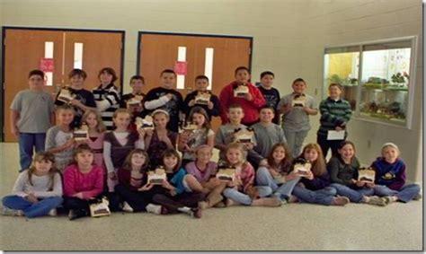 mt ephraim students  thanksgiving presents  senior