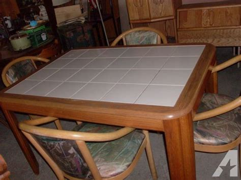 Ceramic Tile Top Kitchen Table W 4 Chairs  (601 E