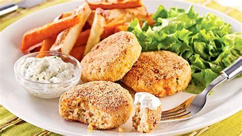 croquettes de saumon au tofu recettes de cuisine trucs et conseils canal vie