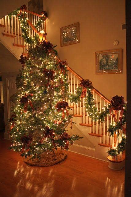 stairwell christmas garland lighting staircase decoration ideas for xcitefun net
