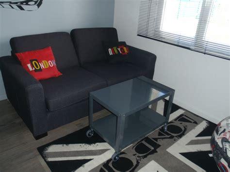 canapé lit pour chambre d ado canap chambre ado lit une place avec rideaux