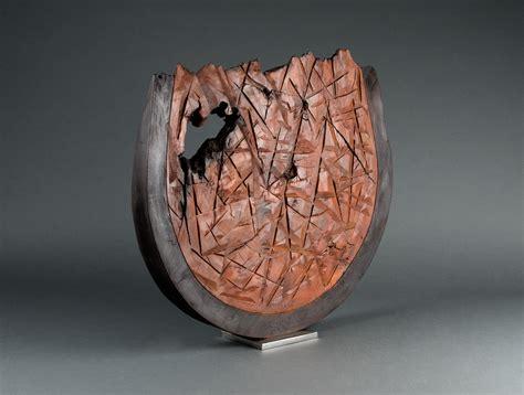sculpture moderne en bois soubrier louer sculptures